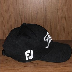 4f2bcb75043 Titleist Accessories - 2016 Titleist Low Rise Performance Black Golf Hat